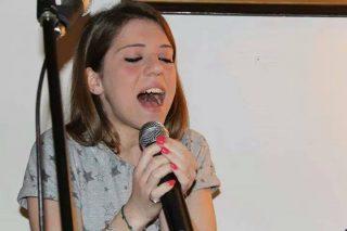 Angela Semerano e microfono