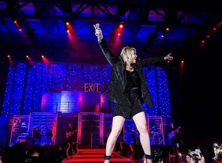 L'Essere qui tour di Emma sbarca ad Acireale: grande festa per la cantante salentina