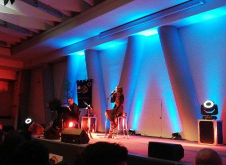Bellissime – Voci di donne. Storie di canzoni: il racconto del concerto di Syria a Viagrande